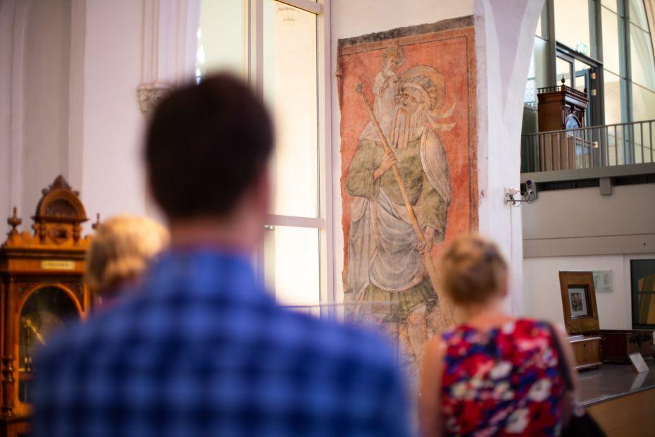Bewonder de fresco's van de Buurkerk